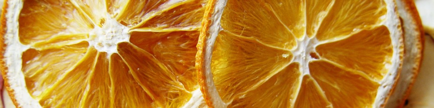 cropped-dried-oranges-and-apples-1-1329331.jpg